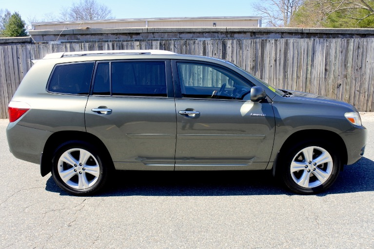 Used 2009 Toyota Highlander Limited V6 AWD Used 2009 Toyota Highlander Limited V6 AWD for sale  at Metro West Motorcars LLC in Shrewsbury MA 6