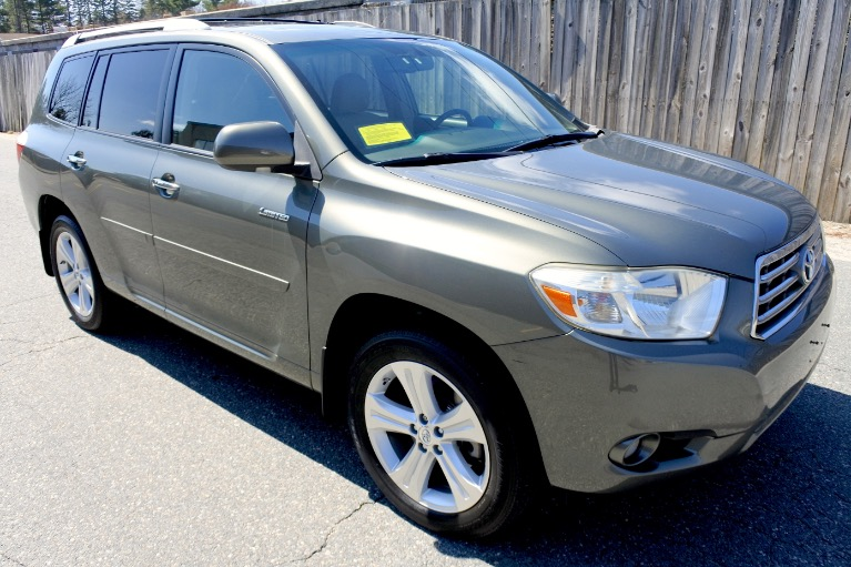 Used 2009 Toyota Highlander Limited V6 AWD Used 2009 Toyota Highlander Limited V6 AWD for sale  at Metro West Motorcars LLC in Shrewsbury MA 7