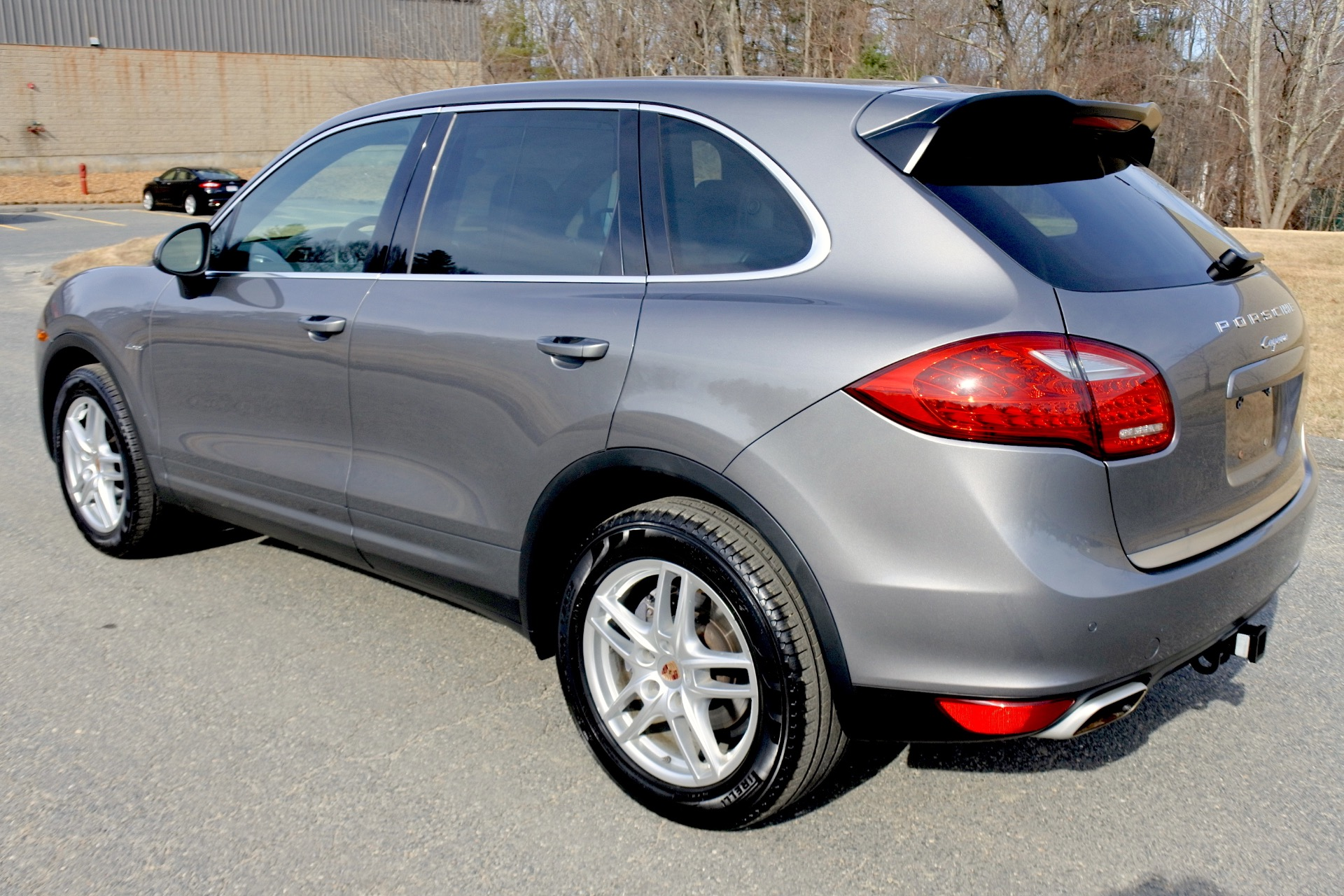 Used 2013 Porsche Cayenne Diesel AWD Used 2013 Porsche Cayenne Diesel AWD for sale  at Metro West Motorcars LLC in Shrewsbury MA 3