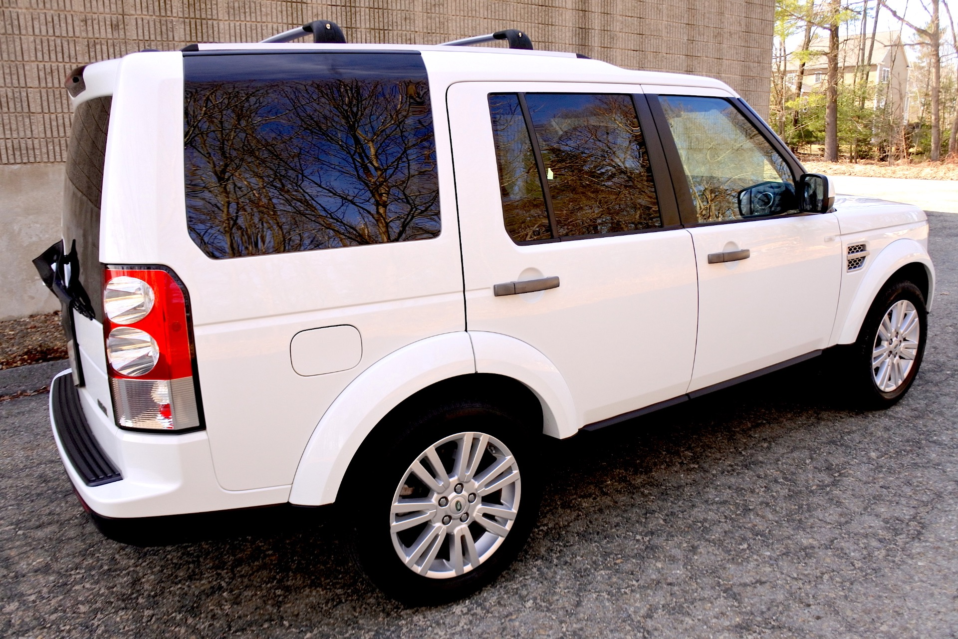 Used 2011 Land Rover Lr4 4WD 4dr V8 HSE Used 2011 Land Rover Lr4 4WD 4dr V8 HSE for sale  at Metro West Motorcars LLC in Shrewsbury MA 5