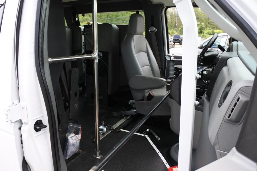 Used 2014 Ford Econoline E-250 Wheelchair Van Used 2014 Ford Econoline E-250 Wheelchair Van for sale  at Metro West Motorcars LLC in Shrewsbury MA 14