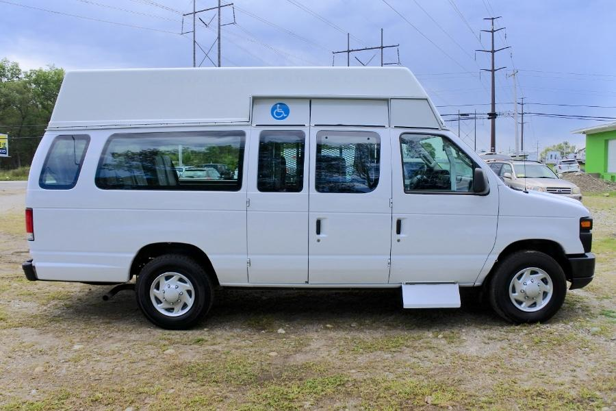 Used 2014 Ford Econoline E-250 Wheelchair Van Used 2014 Ford Econoline E-250 Wheelchair Van for sale  at Metro West Motorcars LLC in Shrewsbury MA 6