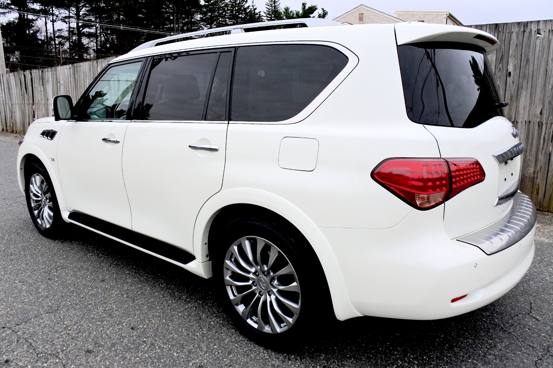 Used 2015 Infiniti Qx80 Limited 4WD Used 2015 Infiniti Qx80 Limited 4WD for sale  at Metro West Motorcars LLC in Shrewsbury MA 3
