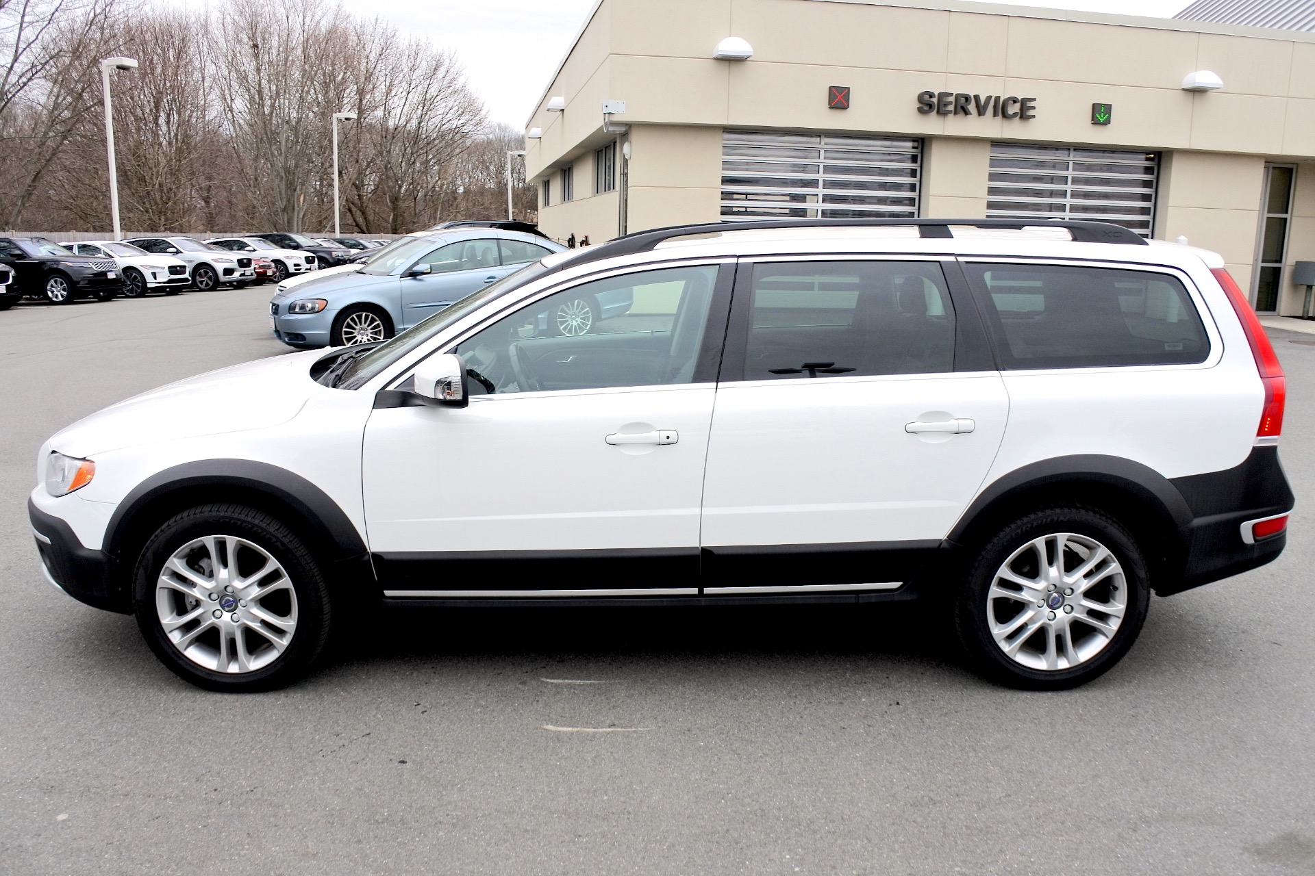 Used 2016 Volvo Xc70 T5 Premier AWD Used 2016 Volvo Xc70 T5 Premier AWD for sale  at Metro West Motorcars LLC in Shrewsbury MA 2