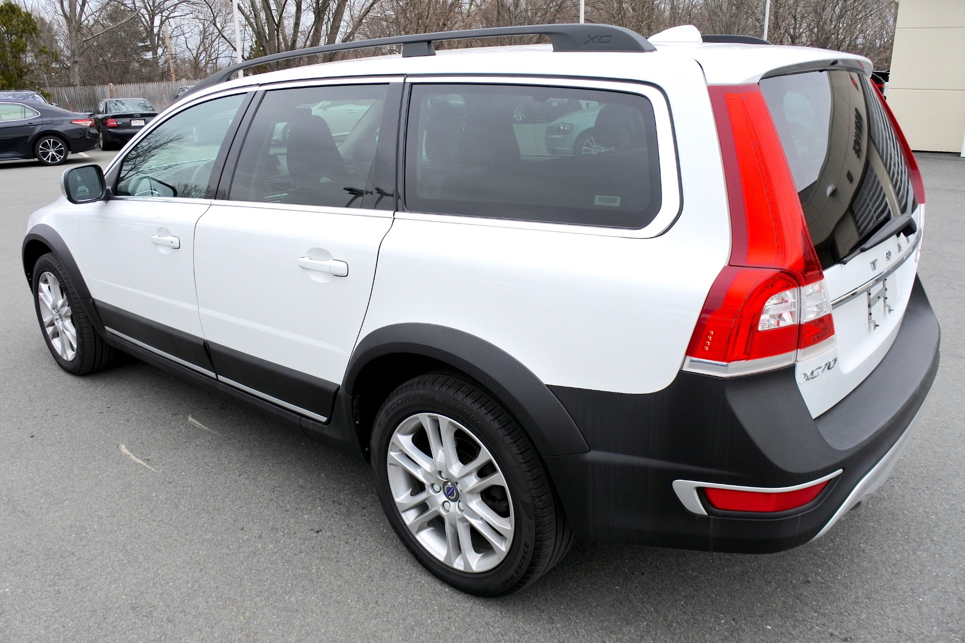 Used 2016 Volvo Xc70 T5 Premier AWD Used 2016 Volvo Xc70 T5 Premier AWD for sale  at Metro West Motorcars LLC in Shrewsbury MA 3
