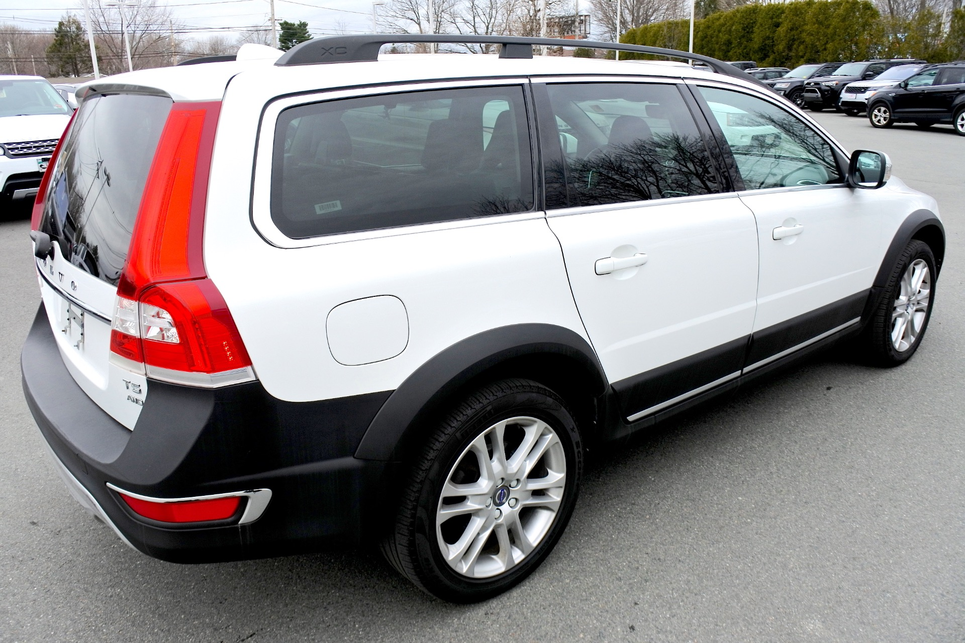Used 2016 Volvo Xc70 T5 Premier AWD Used 2016 Volvo Xc70 T5 Premier AWD for sale  at Metro West Motorcars LLC in Shrewsbury MA 5