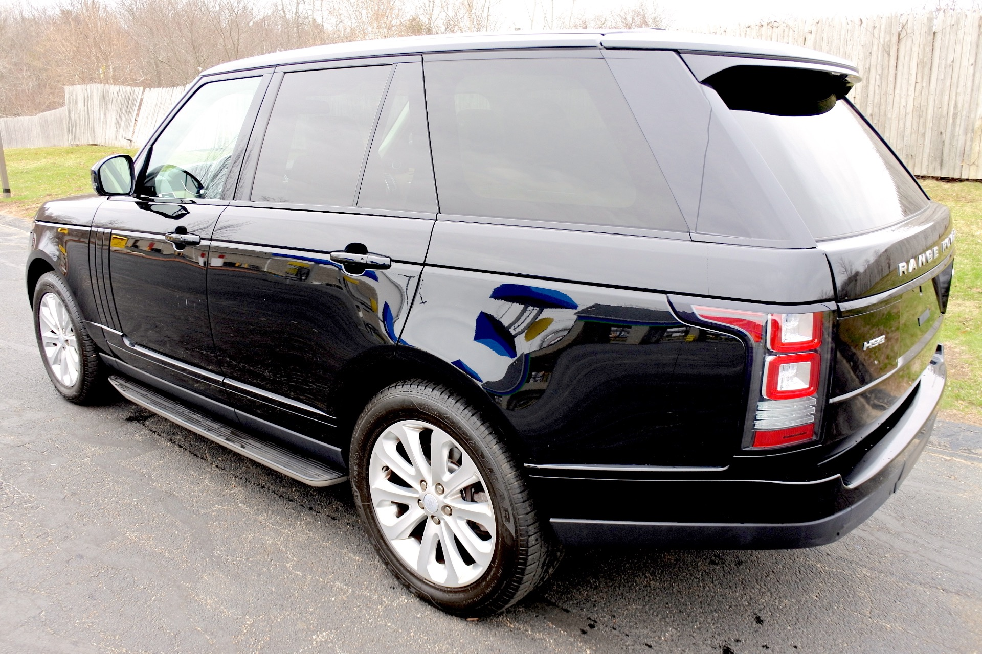 Used 2015 Land Rover Range Rover HSE Used 2015 Land Rover Range Rover HSE for sale  at Metro West Motorcars LLC in Shrewsbury MA 3