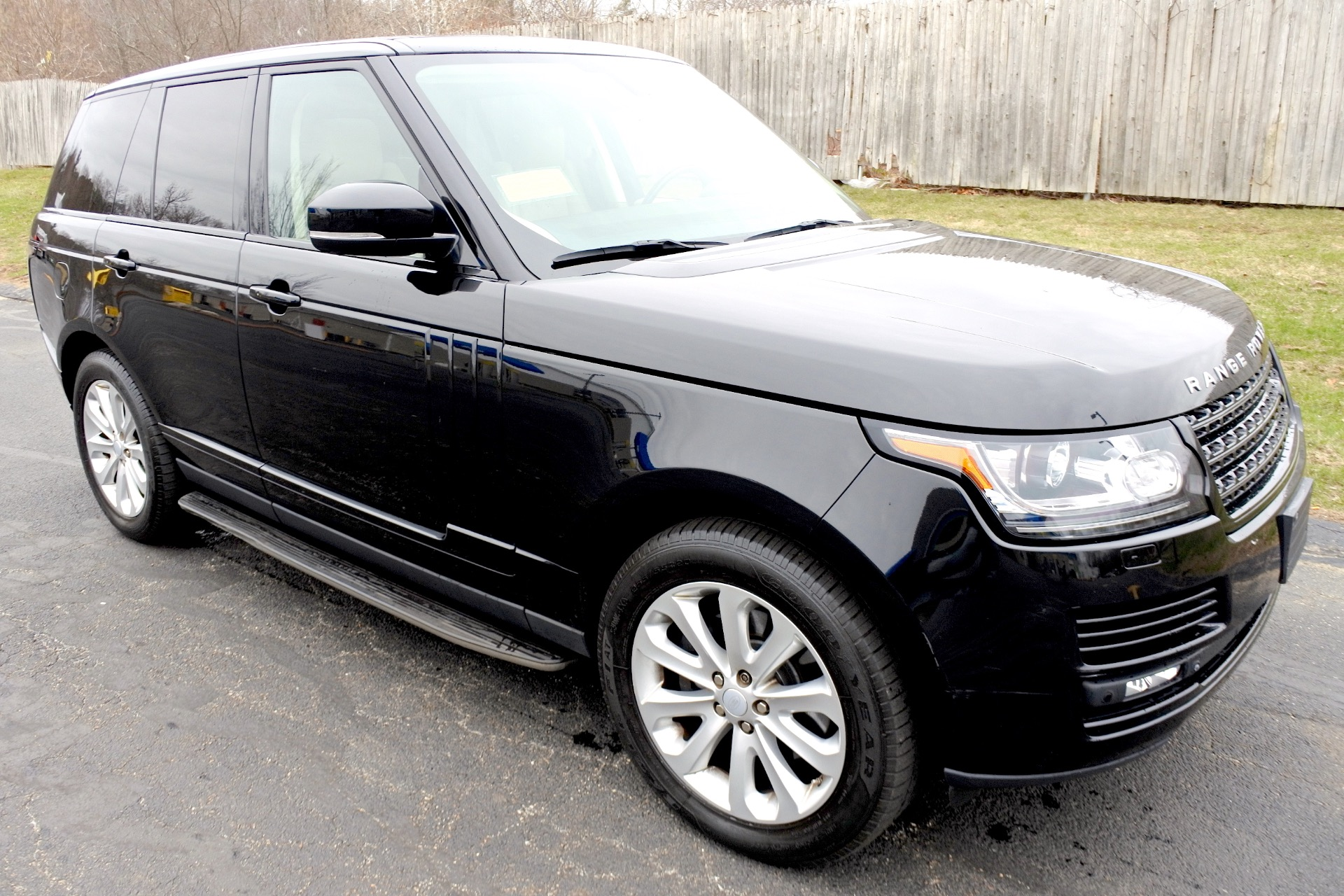 Used 2015 Land Rover Range Rover HSE Used 2015 Land Rover Range Rover HSE for sale  at Metro West Motorcars LLC in Shrewsbury MA 7