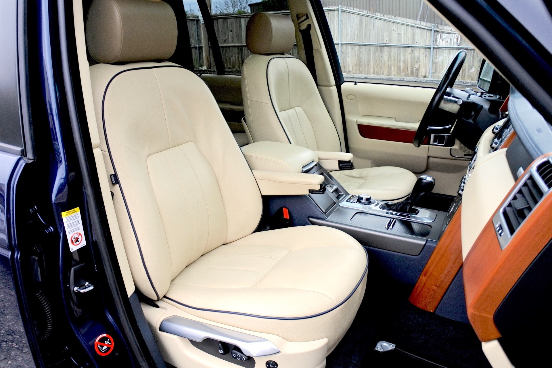 Used 2011 Land Rover Range Rover HSE Used 2011 Land Rover Range Rover HSE for sale  at Metro West Motorcars LLC in Shrewsbury MA 20