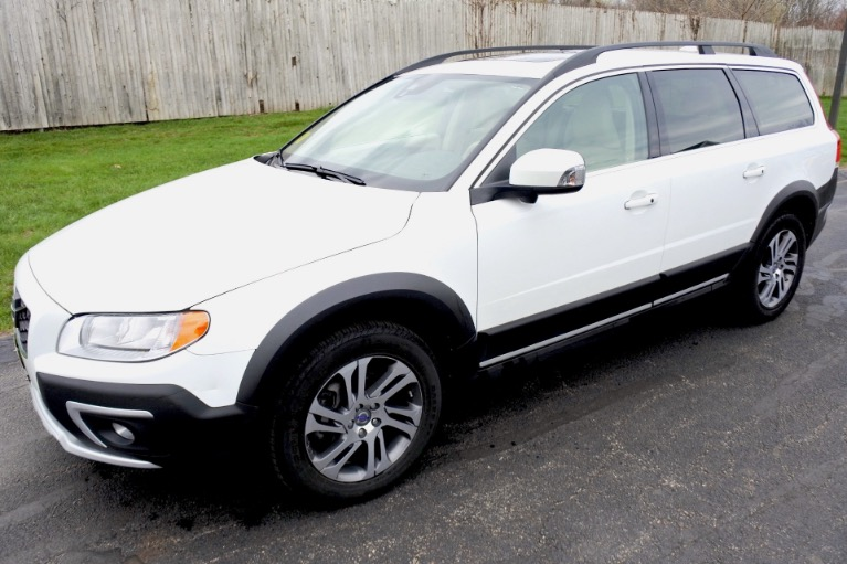 Used Used 2015 Volvo Xc70 3.2 Platinum AWD for sale $17,980 at Metro West Motorcars LLC in Shrewsbury MA
