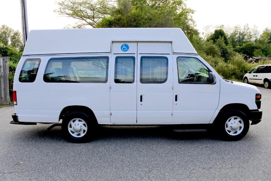 Used 2014 Ford Econoline E-250 Wheelchair Van Used 2014 Ford Econoline E-250 Wheelchair Van for sale  at Metro West Motorcars LLC in Shrewsbury MA 4