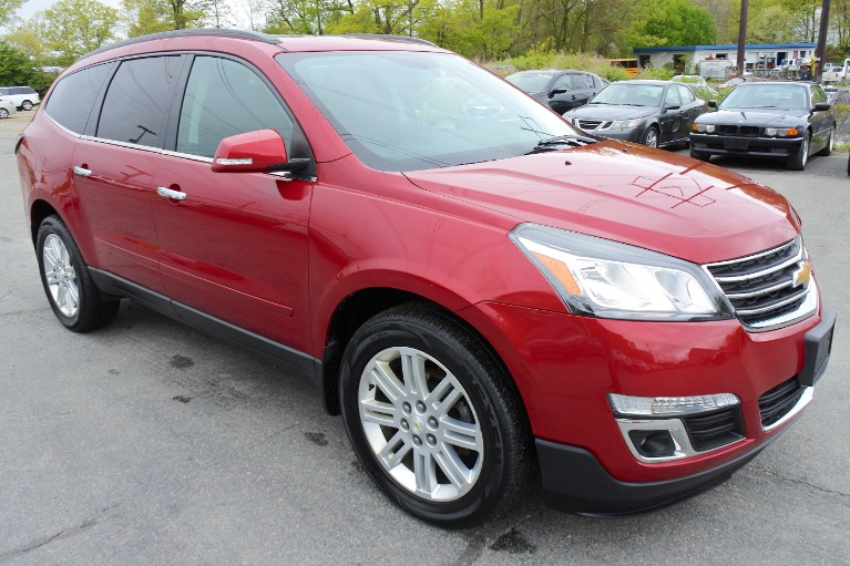 Used 2013 Chevrolet Traverse AWD 4dr LT w/1LT Used 2013 Chevrolet Traverse AWD 4dr LT w/1LT for sale  at Metro West Motorcars LLC in Shrewsbury MA 7
