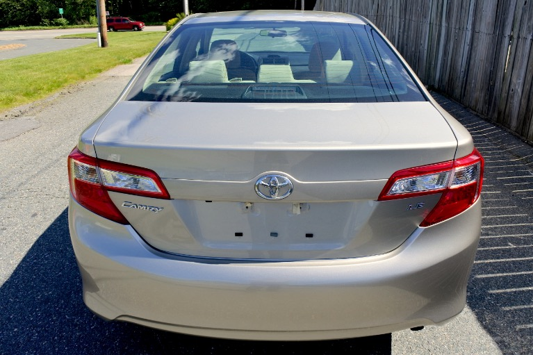 Used 2014 Toyota Camry LE Used 2014 Toyota Camry LE for sale  at Metro West Motorcars LLC in Shrewsbury MA 4
