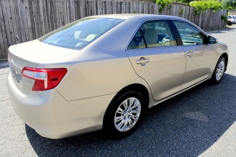 Used 2014 Toyota Camry LE Used 2014 Toyota Camry LE for sale  at Metro West Motorcars LLC in Shrewsbury MA 5