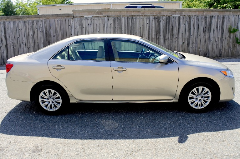 Used 2014 Toyota Camry LE Used 2014 Toyota Camry LE for sale  at Metro West Motorcars LLC in Shrewsbury MA 6