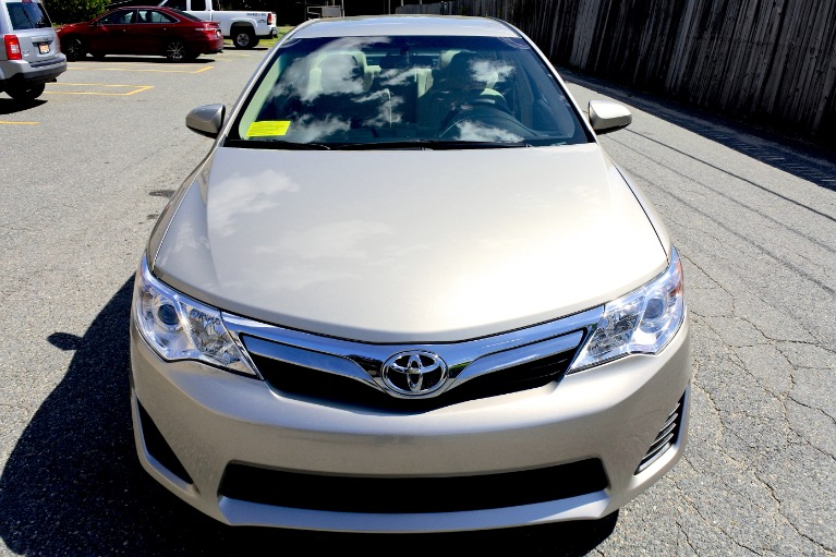 Used 2014 Toyota Camry LE Used 2014 Toyota Camry LE for sale  at Metro West Motorcars LLC in Shrewsbury MA 8