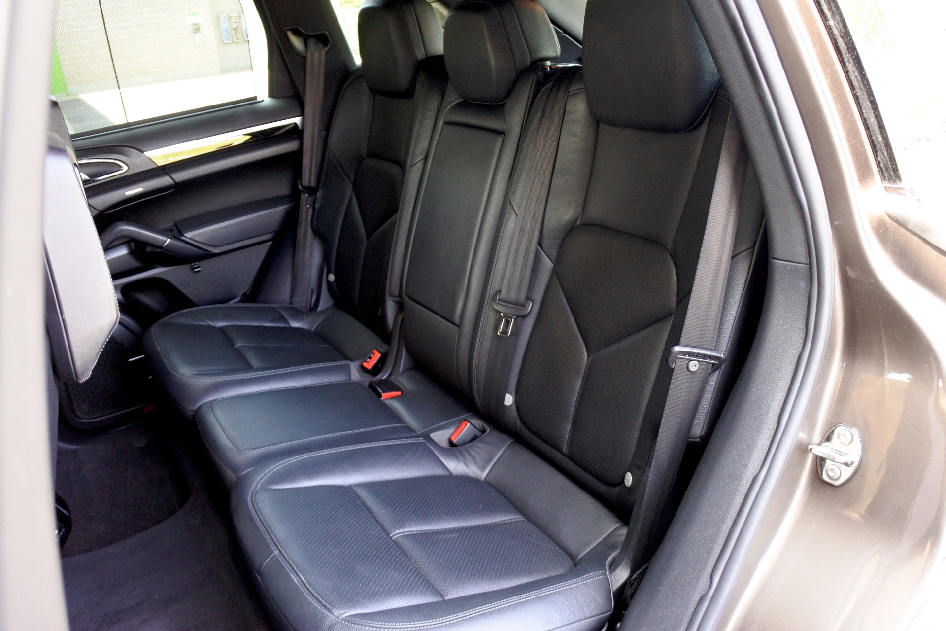 Used 2011 Porsche Cayenne AWD Used 2011 Porsche Cayenne AWD for sale  at Metro West Motorcars LLC in Shrewsbury MA 16