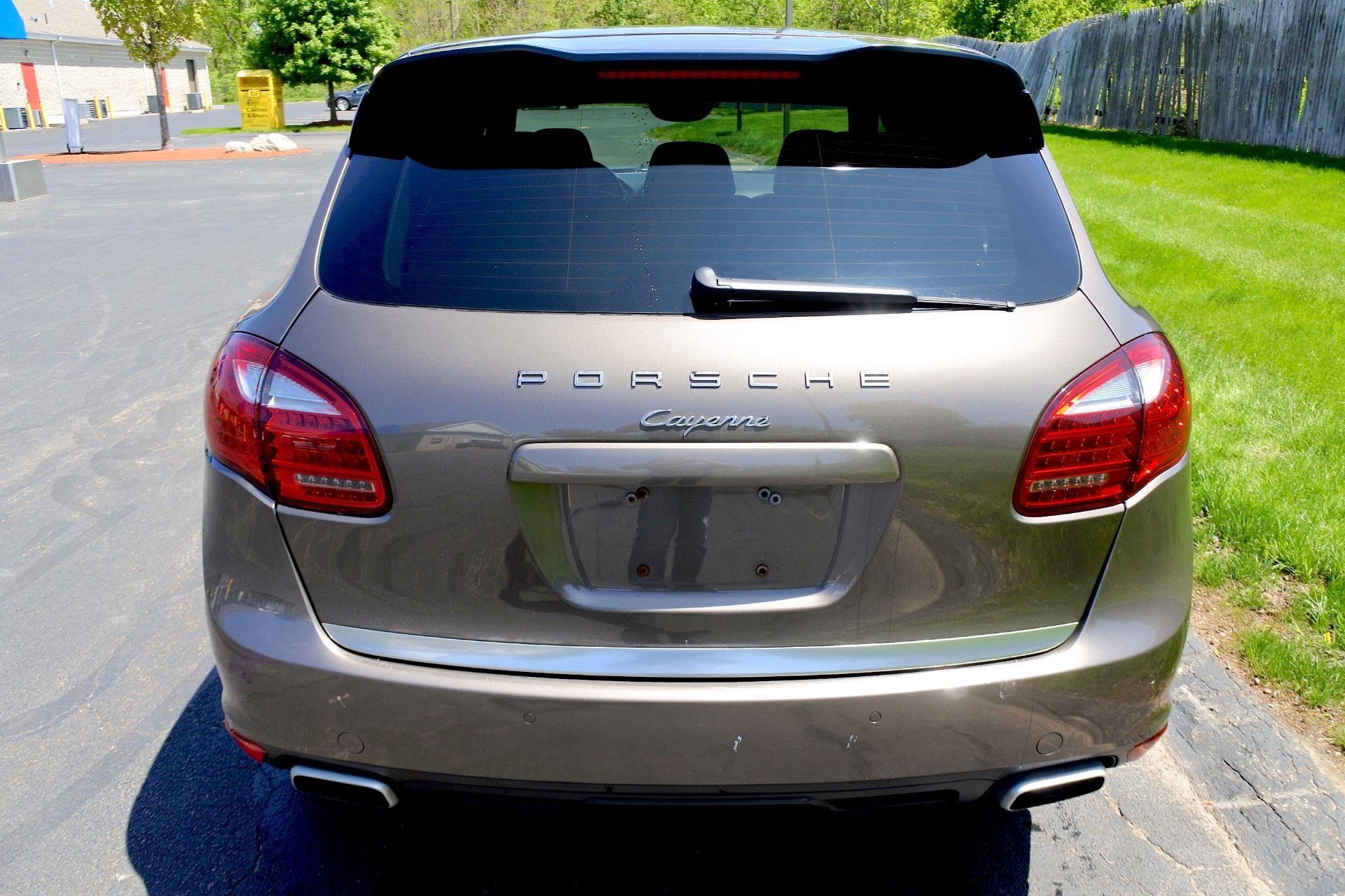 Used 2011 Porsche Cayenne AWD Used 2011 Porsche Cayenne AWD for sale  at Metro West Motorcars LLC in Shrewsbury MA 4