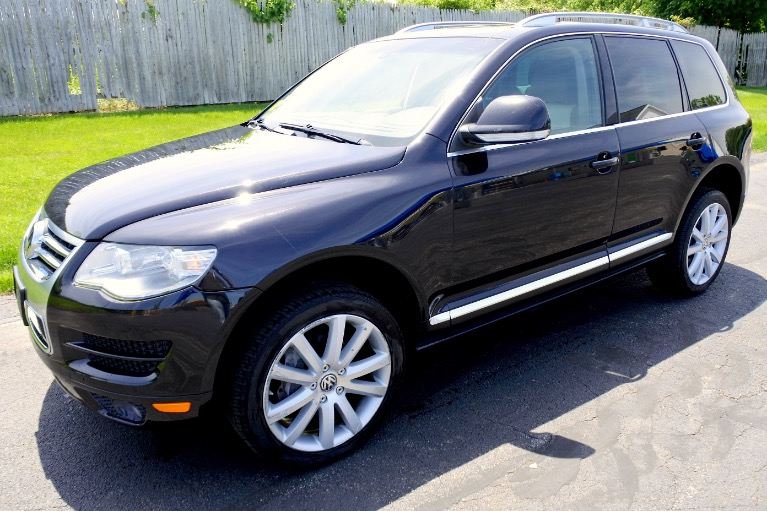 Used 2010 Volkswagen Touareg TDI R Line Used 2010 Volkswagen Touareg TDI R Line for sale  at Metro West Motorcars LLC in Shrewsbury MA 1