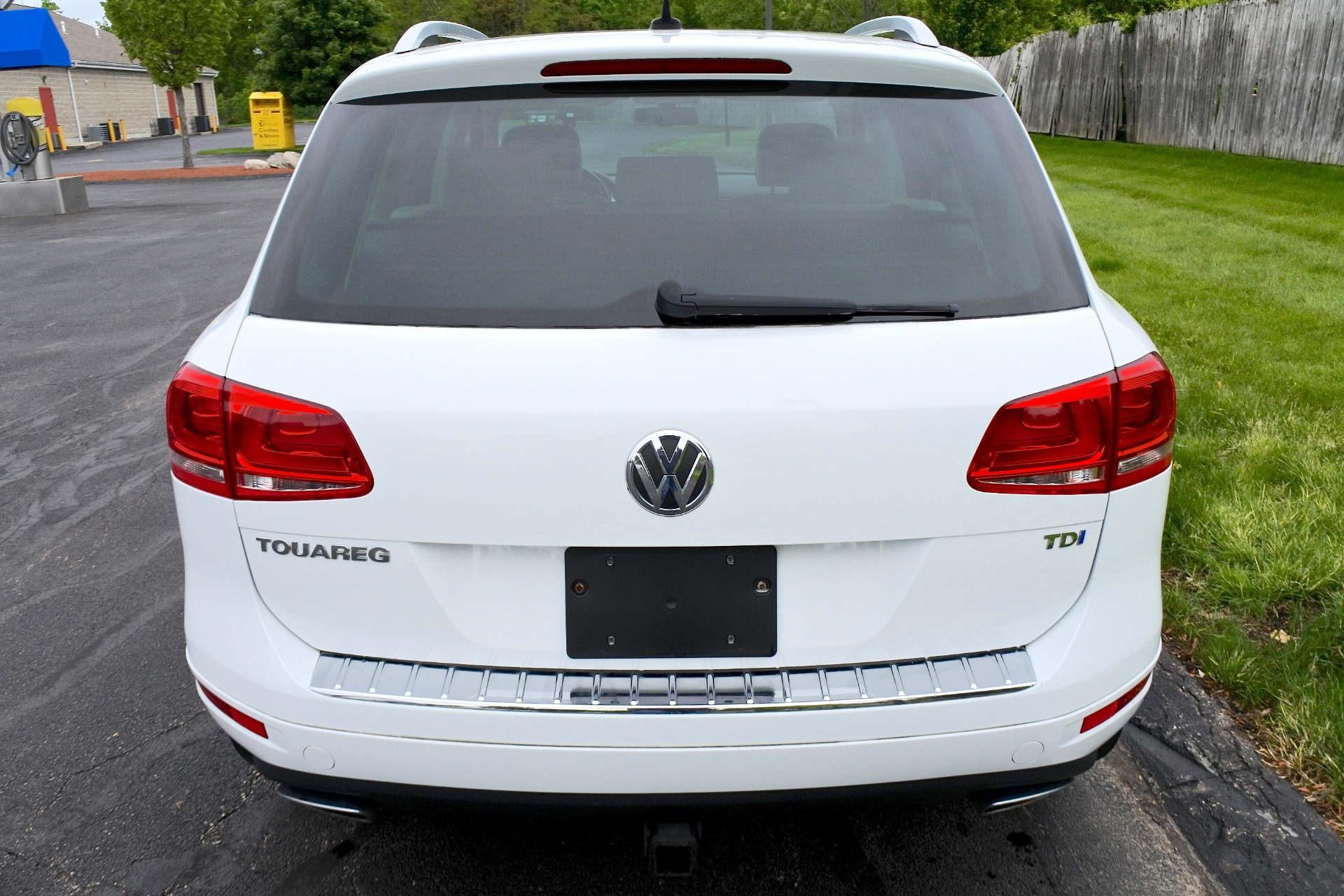 Used 2012 Volkswagen Touareg TDI Lux Used 2012 Volkswagen Touareg TDI Lux for sale  at Metro West Motorcars LLC in Shrewsbury MA 4