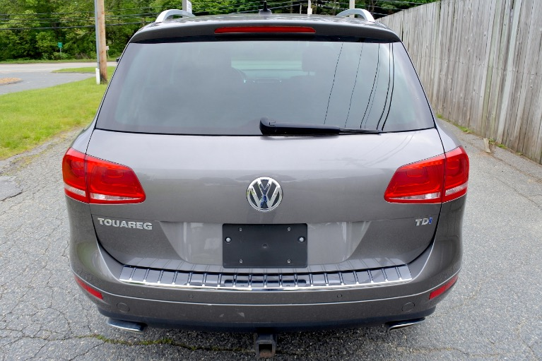 Used 2011 Volkswagen Touareg TDI Lux Used 2011 Volkswagen Touareg TDI Lux for sale  at Metro West Motorcars LLC in Shrewsbury MA 4