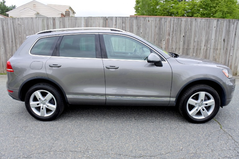 Used 2011 Volkswagen Touareg TDI Lux Used 2011 Volkswagen Touareg TDI Lux for sale  at Metro West Motorcars LLC in Shrewsbury MA 6