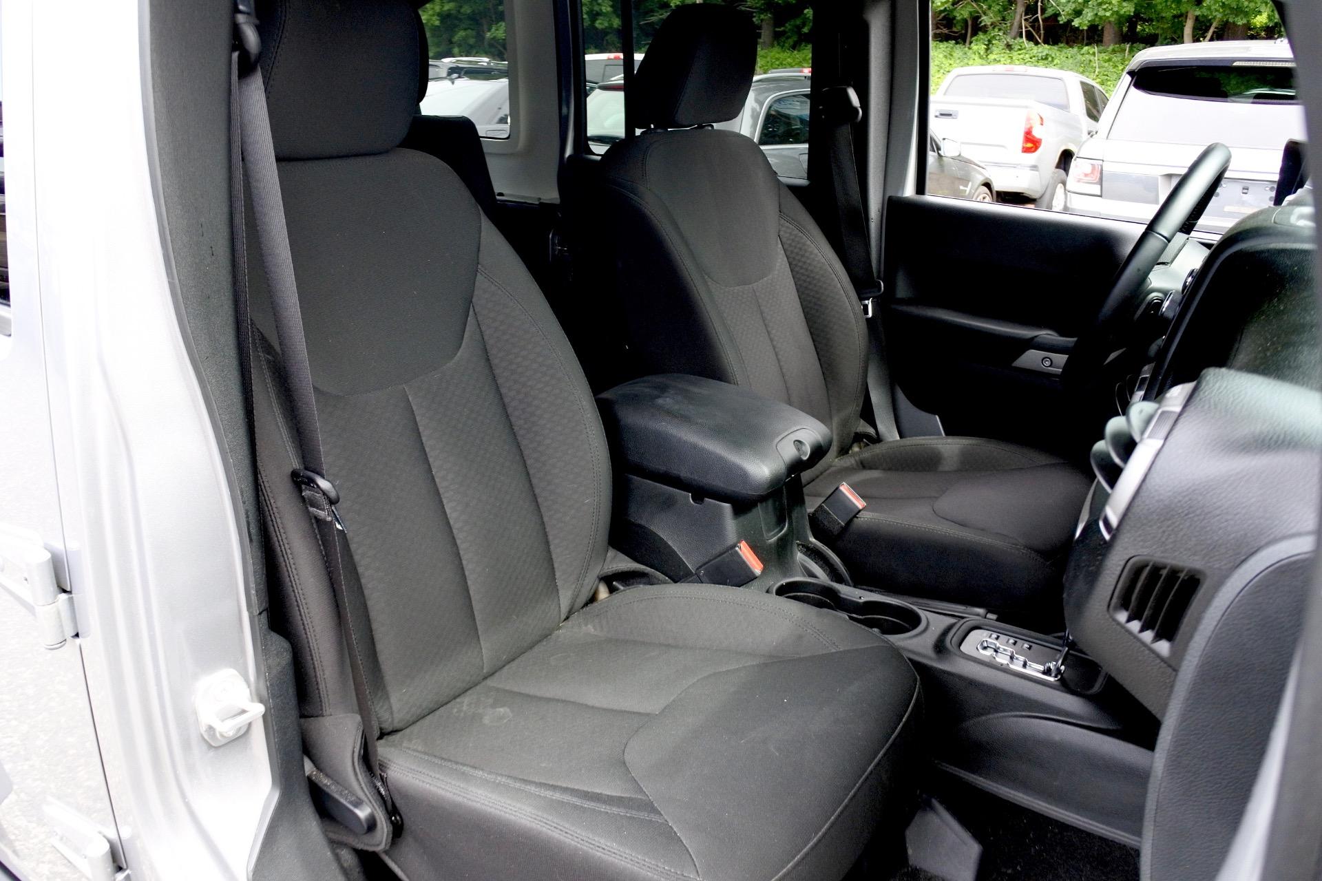 Used 2017 Jeep Wrangler Unlimited Sport 4x4 Used 2017 Jeep Wrangler Unlimited Sport 4x4 for sale  at Metro West Motorcars LLC in Shrewsbury MA 17