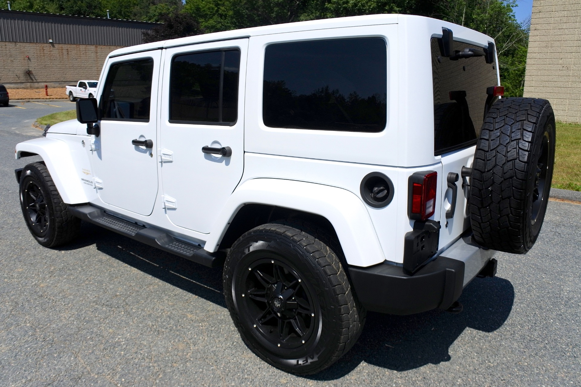 Used 2015 Jeep Wrangler Unlimited 4WD 4dr Sahara Used 2015 Jeep Wrangler Unlimited 4WD 4dr Sahara for sale  at Metro West Motorcars LLC in Shrewsbury MA 3