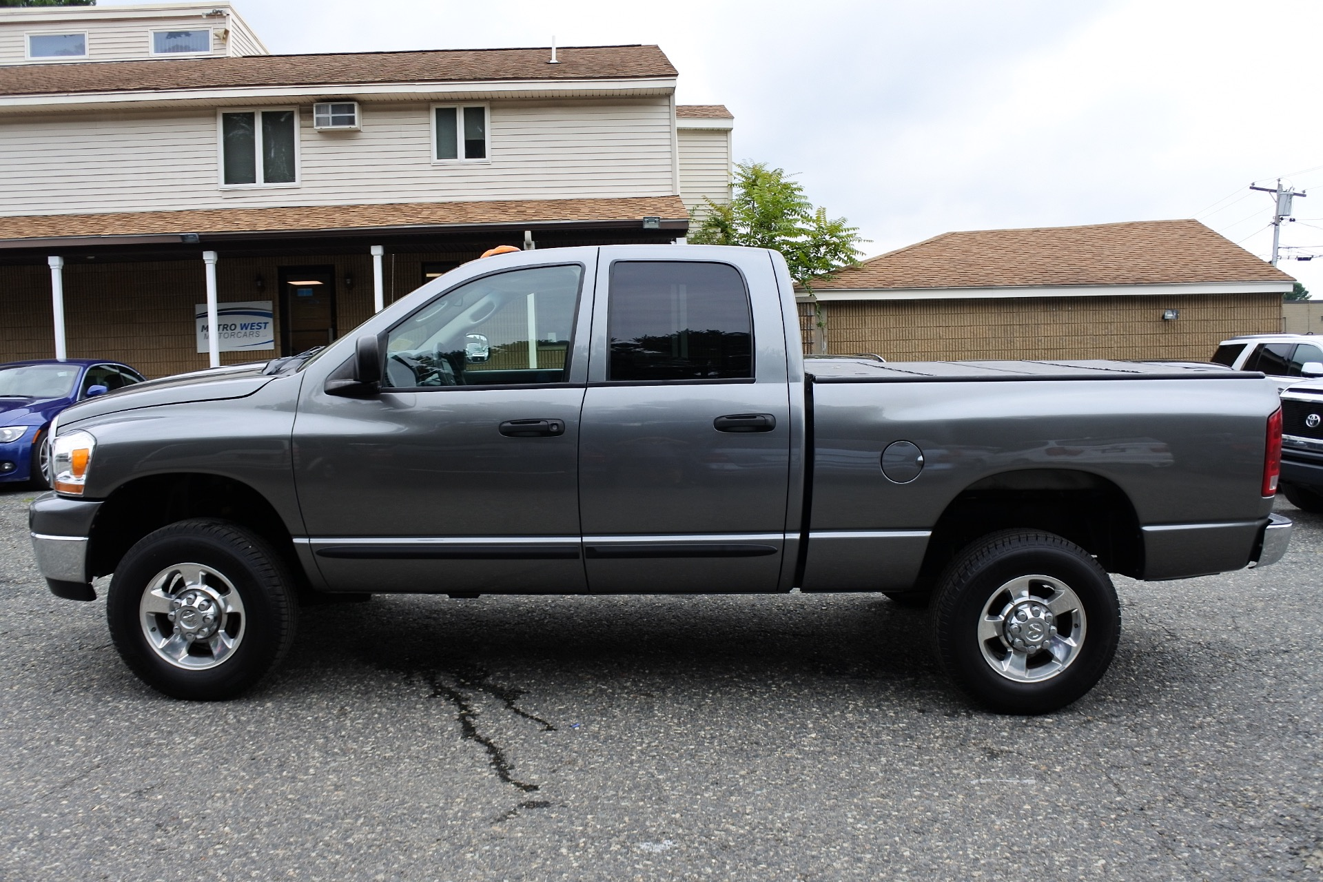 Used 2006 Dodge Ram 2500 4dr Quad Cab 140.5 4WD SLT Used 2006 Dodge Ram 2500 4dr Quad Cab 140.5 4WD SLT for sale  at Metro West Motorcars LLC in Shrewsbury MA 2