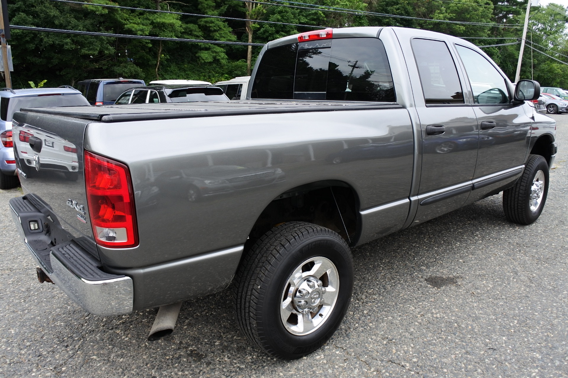 Used 2006 Dodge Ram 2500 4dr Quad Cab 140.5 4WD SLT Used 2006 Dodge Ram 2500 4dr Quad Cab 140.5 4WD SLT for sale  at Metro West Motorcars LLC in Shrewsbury MA 5