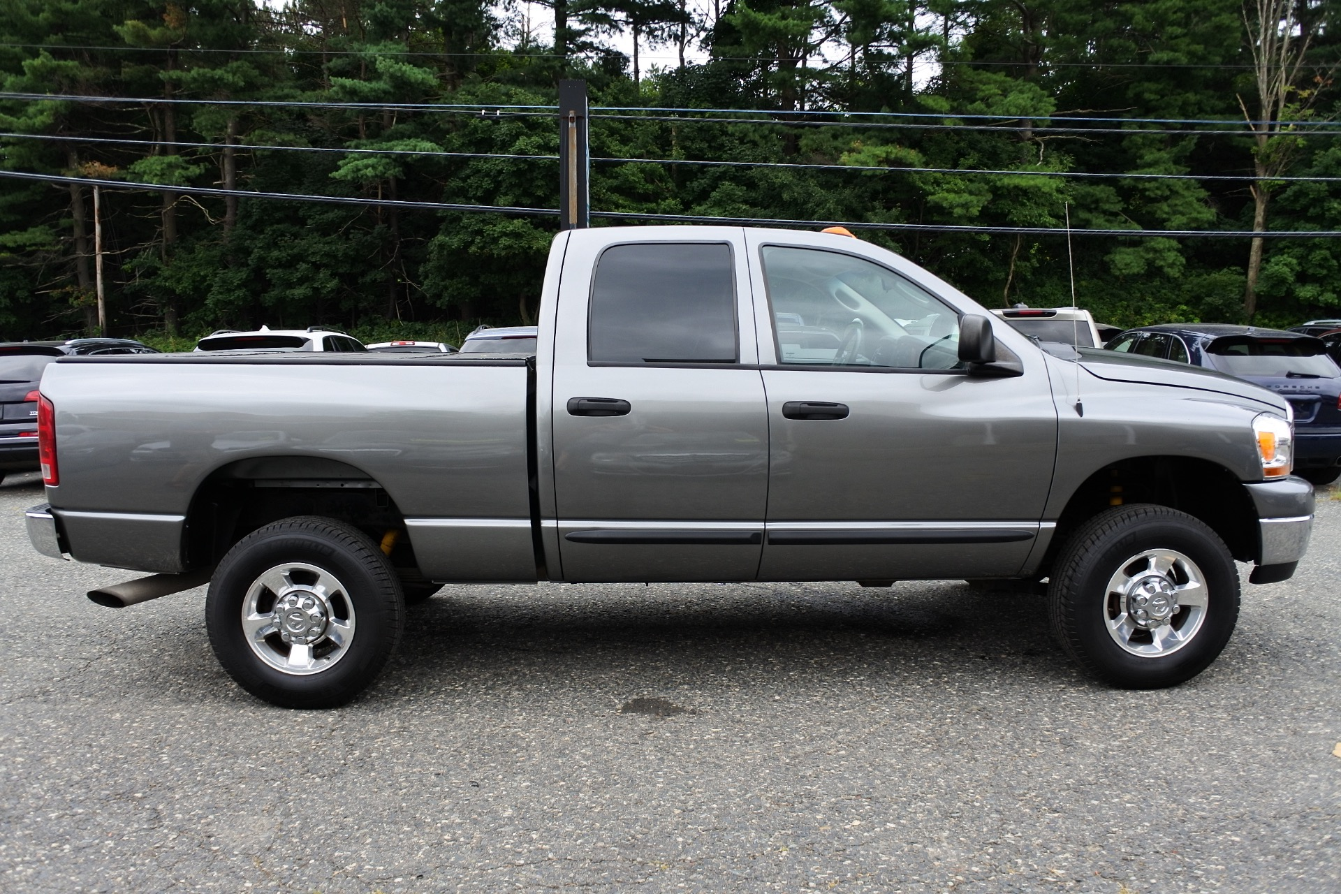 Used 2006 Dodge Ram 2500 4dr Quad Cab 140.5 4WD SLT Used 2006 Dodge Ram 2500 4dr Quad Cab 140.5 4WD SLT for sale  at Metro West Motorcars LLC in Shrewsbury MA 6
