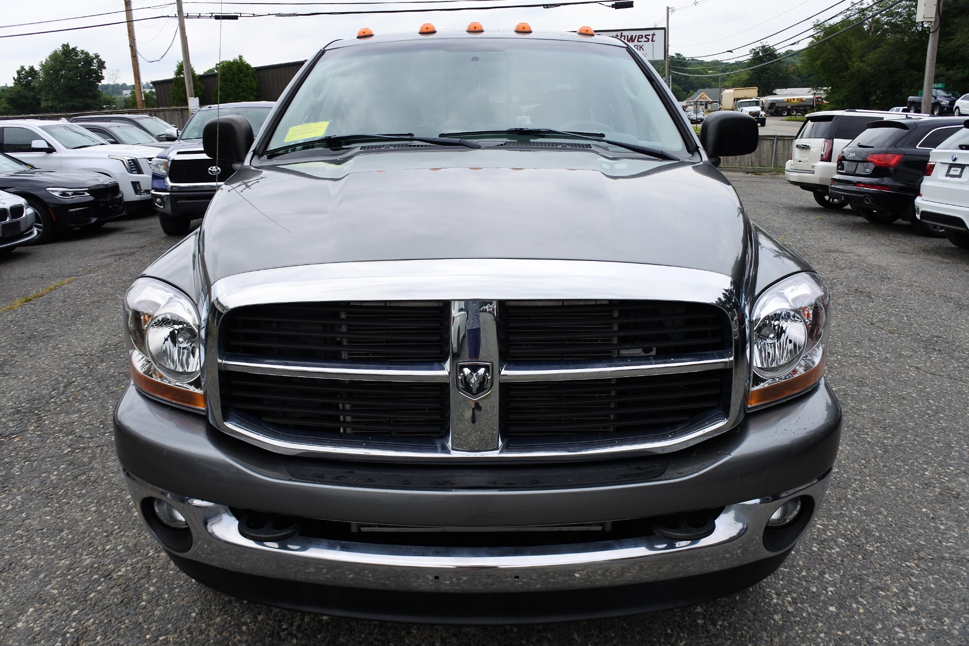 Used 2006 Dodge Ram 2500 4dr Quad Cab 140.5 4WD SLT Used 2006 Dodge Ram 2500 4dr Quad Cab 140.5 4WD SLT for sale  at Metro West Motorcars LLC in Shrewsbury MA 8