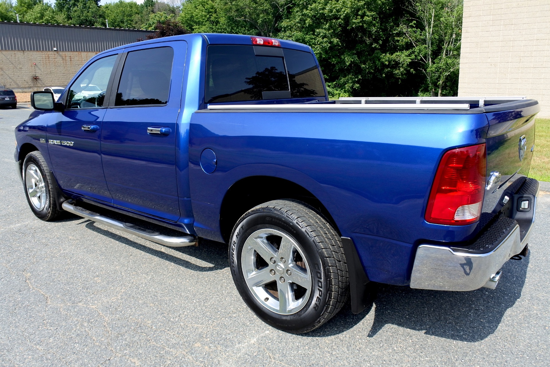 Used 2011 Ram 1500 4WD Crew Cab 140.5' Big Horn Used 2011 Ram 1500 4WD Crew Cab 140.5' Big Horn for sale  at Metro West Motorcars LLC in Shrewsbury MA 3