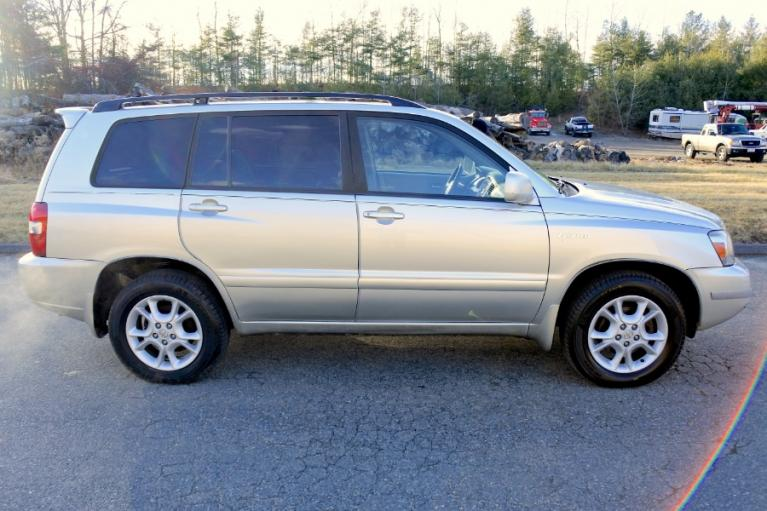 Used 2006 Toyota Highlander 4dr V6 4WD Limited w/3rd Row (Natl) Used 2006 Toyota Highlander 4dr V6 4WD Limited w/3rd Row (Natl) for sale  at Metro West Motorcars LLC in Shrewsbury MA 6