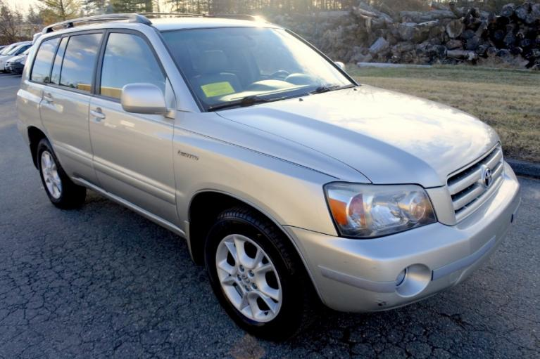 Used 2006 Toyota Highlander 4dr V6 4WD Limited w/3rd Row (Natl) Used 2006 Toyota Highlander 4dr V6 4WD Limited w/3rd Row (Natl) for sale  at Metro West Motorcars LLC in Shrewsbury MA 7