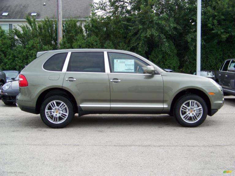 Used 2008 Porsche Cayenne S AWD Used 2008 Porsche Cayenne S AWD for sale  at Metro West Motorcars LLC in Shrewsbury MA 3