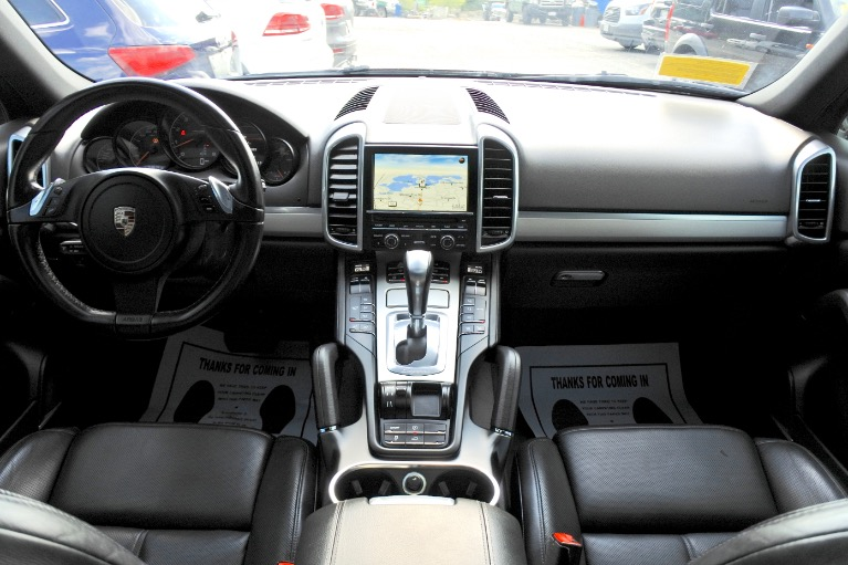 Used 2011 Porsche Cayenne AWD Used 2011 Porsche Cayenne AWD for sale  at Metro West Motorcars LLC in Shrewsbury MA 9