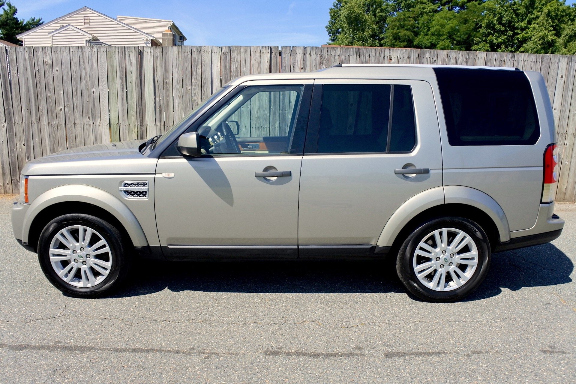 Used 2011 Land Rover Lr4 4WD 4dr V8 HSE Used 2011 Land Rover Lr4 4WD 4dr V8 HSE for sale  at Metro West Motorcars LLC in Shrewsbury MA 2