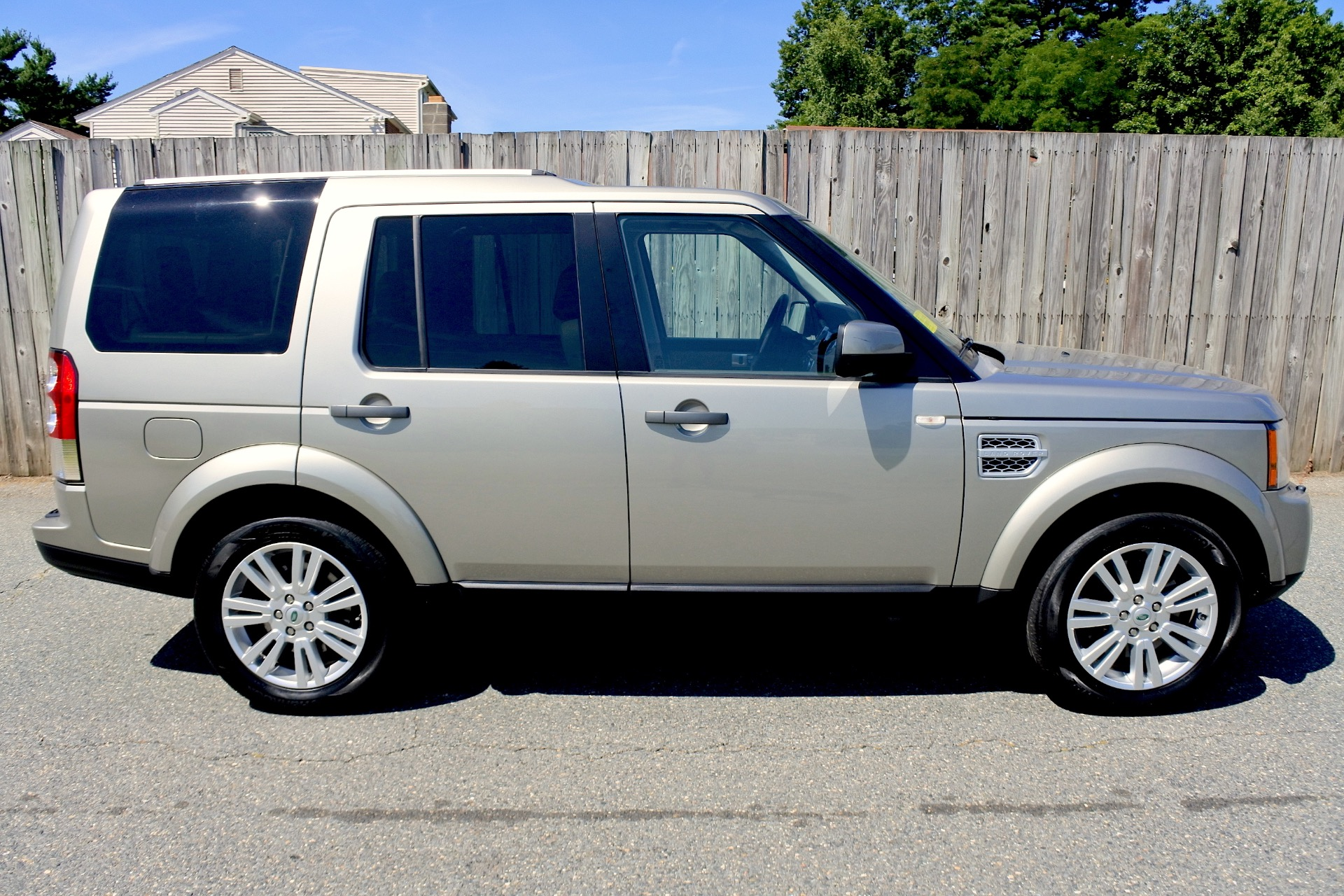Used 2011 Land Rover Lr4 4WD 4dr V8 HSE Used 2011 Land Rover Lr4 4WD 4dr V8 HSE for sale  at Metro West Motorcars LLC in Shrewsbury MA 6