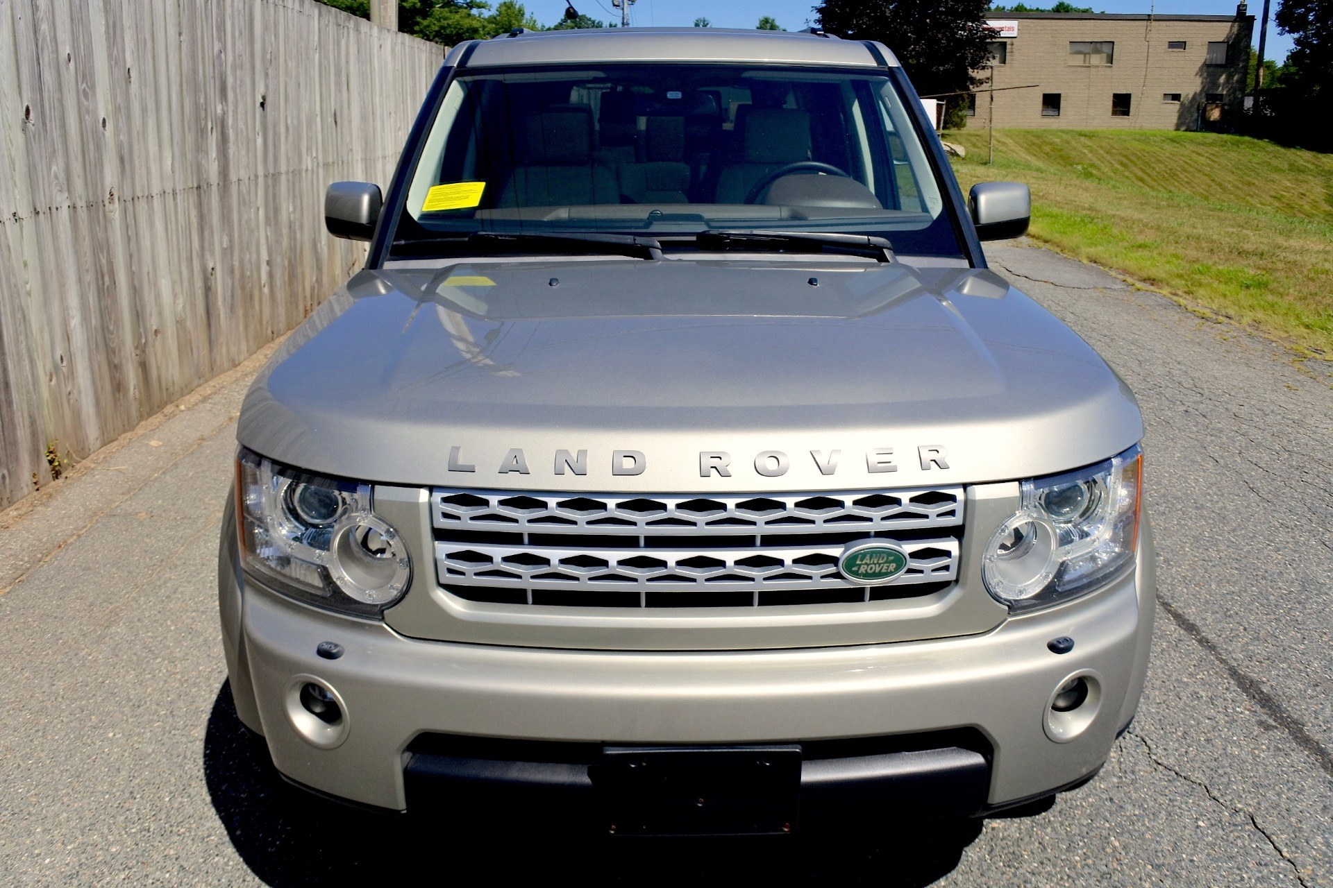 Used 2011 Land Rover Lr4 4WD 4dr V8 HSE Used 2011 Land Rover Lr4 4WD 4dr V8 HSE for sale  at Metro West Motorcars LLC in Shrewsbury MA 8