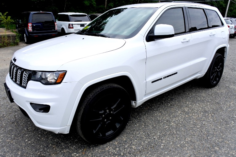 Used Used 2017 Jeep Grand Cherokee Altitude 4x4 for sale $29,900 at Metro West Motorcars LLC in Shrewsbury MA