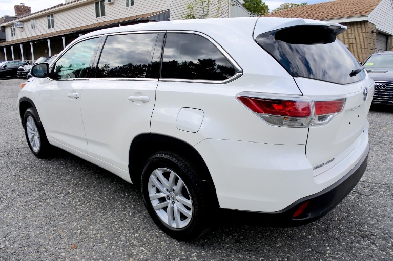 Used 2014 Toyota Highlander AWD 4dr V6 LE Used 2014 Toyota Highlander AWD 4dr V6 LE for sale  at Metro West Motorcars LLC in Shrewsbury MA 3