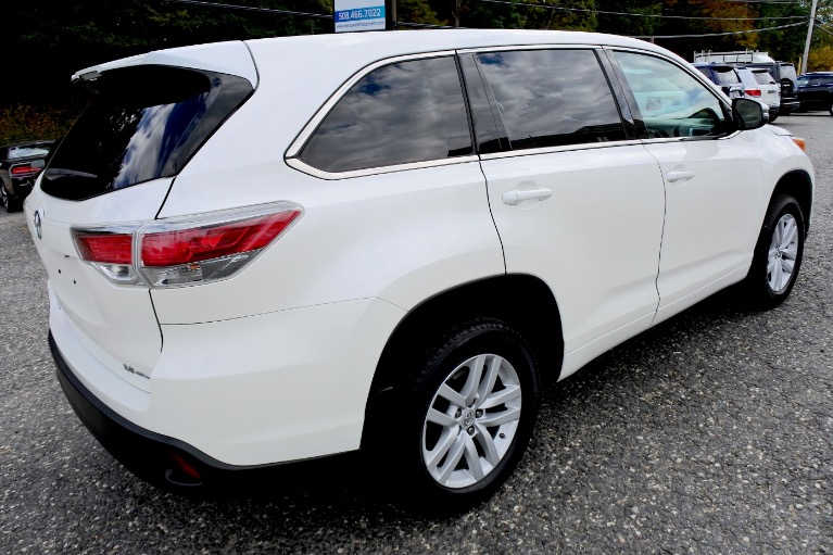 Used 2014 Toyota Highlander AWD 4dr V6 LE Used 2014 Toyota Highlander AWD 4dr V6 LE for sale  at Metro West Motorcars LLC in Shrewsbury MA 5
