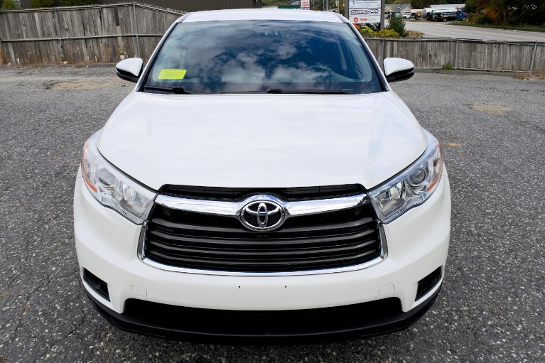 Used 2014 Toyota Highlander AWD 4dr V6 LE Used 2014 Toyota Highlander AWD 4dr V6 LE for sale  at Metro West Motorcars LLC in Shrewsbury MA 8