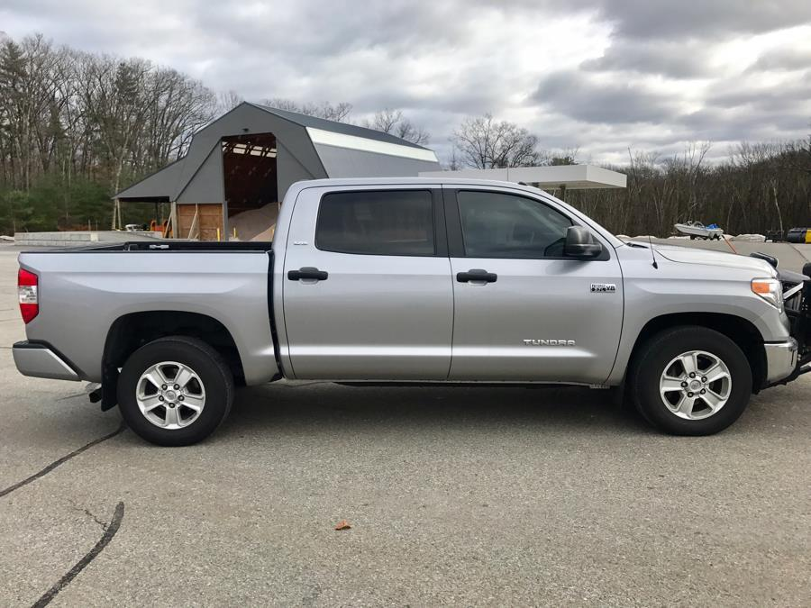 Used 2016 Toyota Tundra 4WD Truck CrewMax 5.7L V8 6-Spd AT SR5 (Natl) Used 2016 Toyota Tundra 4WD Truck CrewMax 5.7L V8 6-Spd AT SR5 (Natl) for sale  at Metro West Motorcars LLC in Shrewsbury MA 5