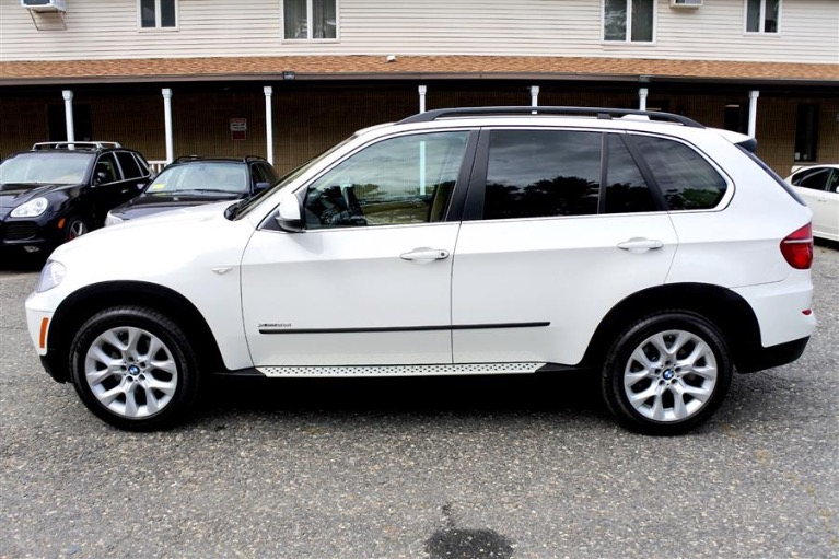 Used 2013 BMW X5 AWD 4dr xDrive35i Premium Used 2013 BMW X5 AWD 4dr xDrive35i Premium for sale  at Metro West Motorcars LLC in Shrewsbury MA 2