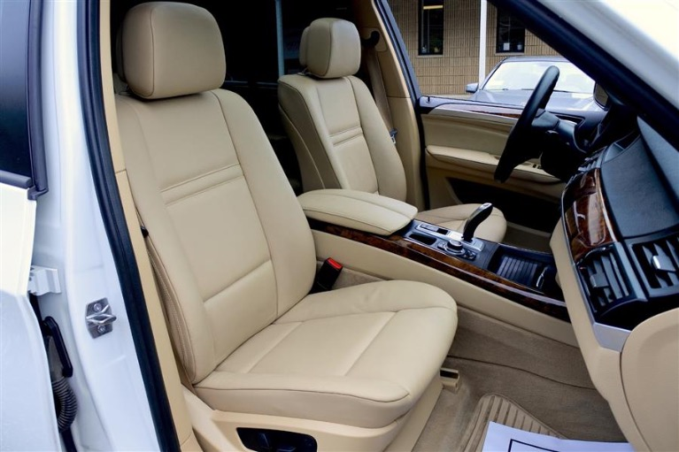 Used 2013 BMW X5 AWD 4dr xDrive35i Premium Used 2013 BMW X5 AWD 4dr xDrive35i Premium for sale  at Metro West Motorcars LLC in Shrewsbury MA 22