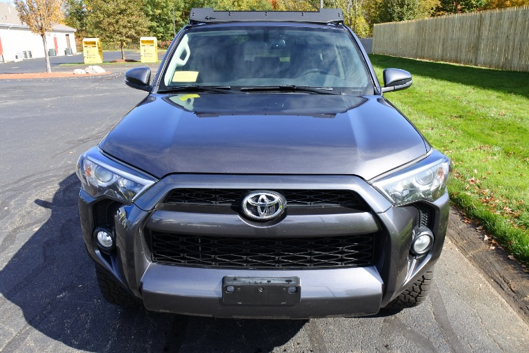 Used 2018 Toyota 4Runner SR5 Premium 4WD (Natl) Used 2018 Toyota 4Runner SR5 Premium 4WD (Natl) for sale  at Metro West Motorcars LLC in Shrewsbury MA 8