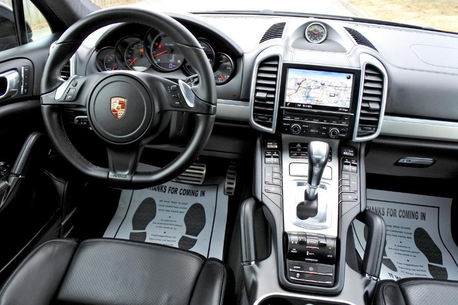 Used 2014 Porsche Cayenne Turbo AWD Used 2014 Porsche Cayenne Turbo AWD for sale  at Metro West Motorcars LLC in Shrewsbury MA 10