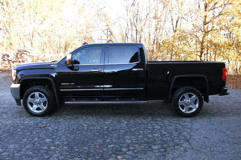 Used 2015 GMC Sierra 2500hd 4WD Crew Cab 153.7' SLT Used 2015 GMC Sierra 2500hd 4WD Crew Cab 153.7' SLT for sale  at Metro West Motorcars LLC in Shrewsbury MA 3